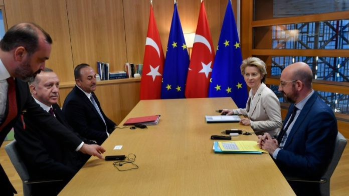 La Turchia e lo scontro sui migranti con l'Ue