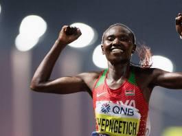 Ruth Chepngetich fa il record del mondo nella mezza maratona femminile