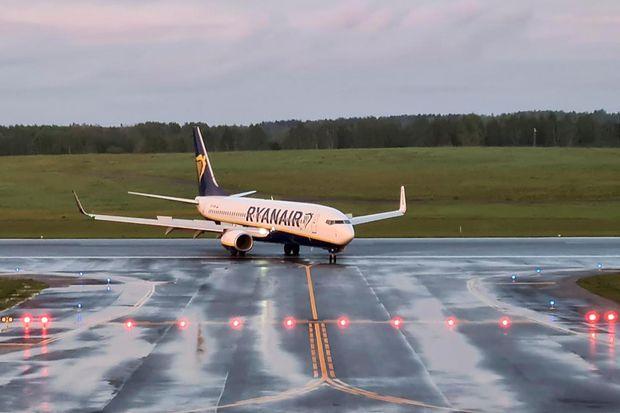 Cosa sappiamo del volo Ryanair dirottato in Bielorussia