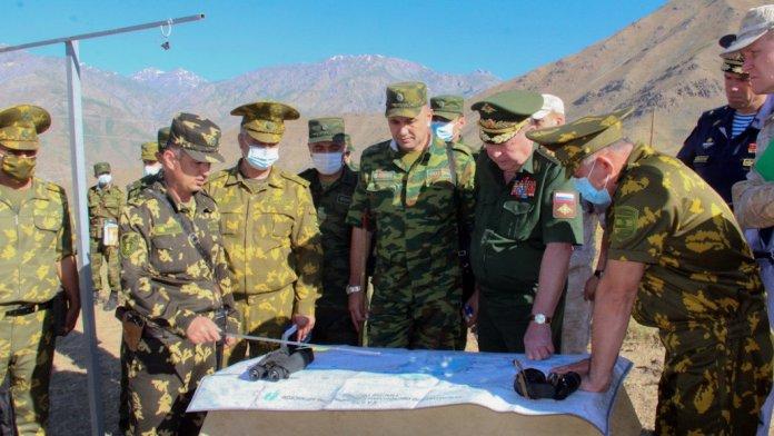 Russia avvia esercitazioni militari lungo il confine afgano-tagiko