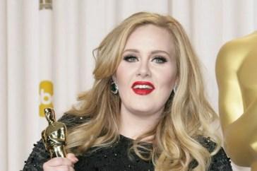 Adele presenta 30: l'anteprima dell'album con un uno speciale in TV