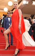 rs_634x1024-160516131713-634-kate-moss-cannes-2016-red-dress-051616