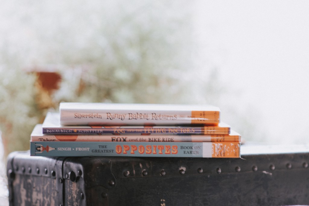 Currently Reading | Family Read ALoud | Stack of Books | Book Stack | Picture books | Reading family | read aloud | bookish | book blogger