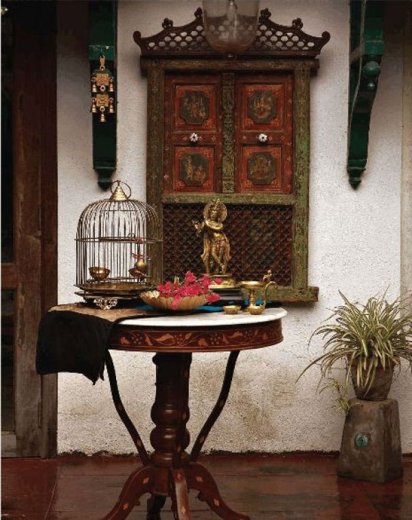 Handcrafted Jharokha for the Rajasthan vibe via