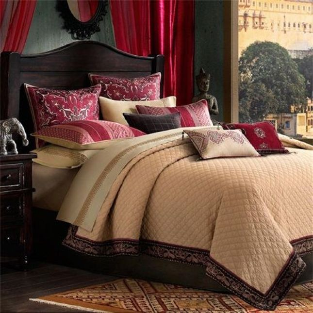 Inspirations from Kashmir for the bedspread: http://www.pinterest.com/pin/218072806932306745/