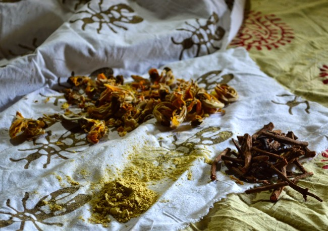 Natural flowers, spices used for the Bagru colouring process via : http://thehouseofsusanna.blogspot.co.uk/2014/12/mud-printing-in-bagru-rajasthan.html