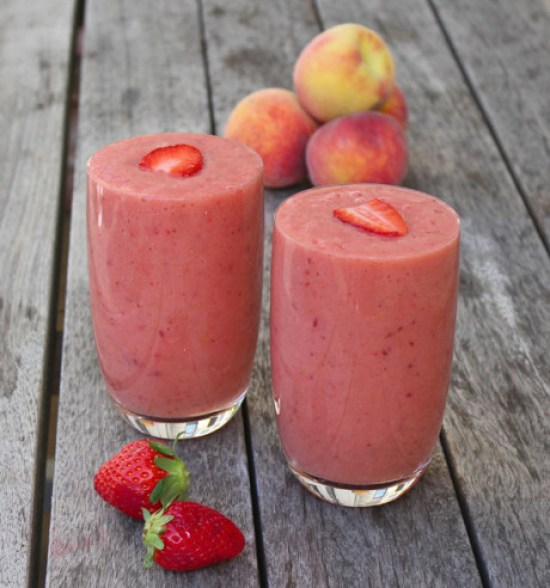 Banana Strawberry and Peach smoothie via