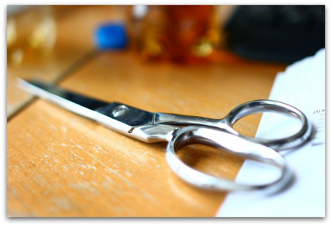 lying scissors