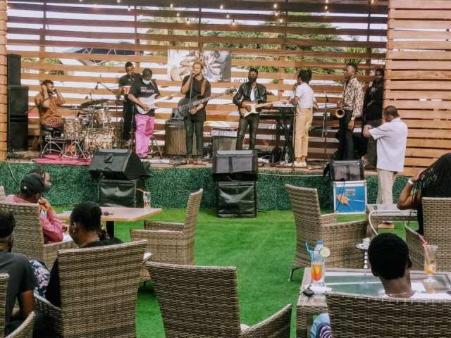 The Cavemen. event review
