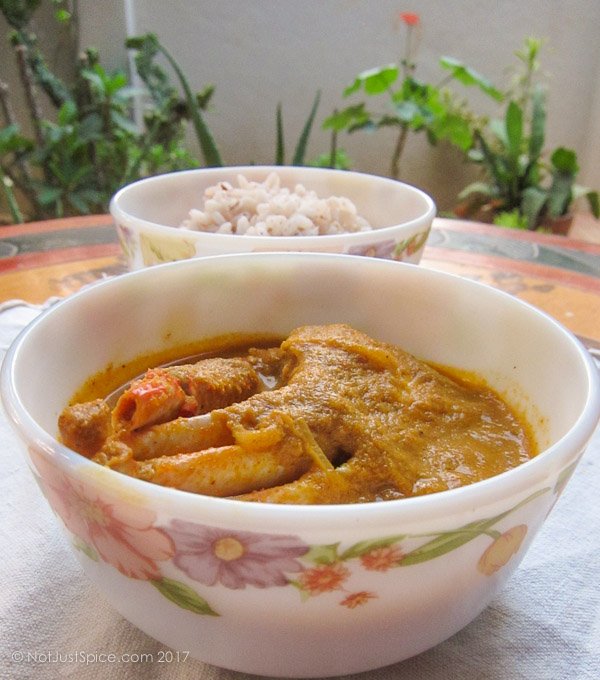 Simple Crab Curry on notjustspice.com