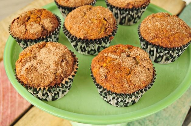 cinnamon-swirl-banana-muffins