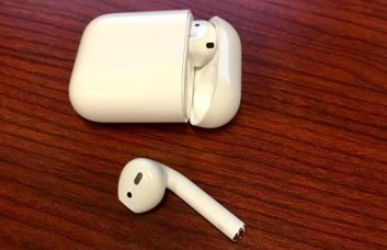 Apple AirPods Podcast