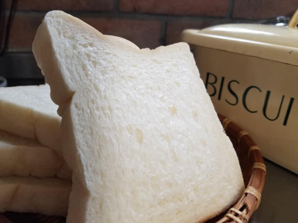 白みみ食パンが名物のパン屋さん「fruely(フルーリー)」【七尾市】