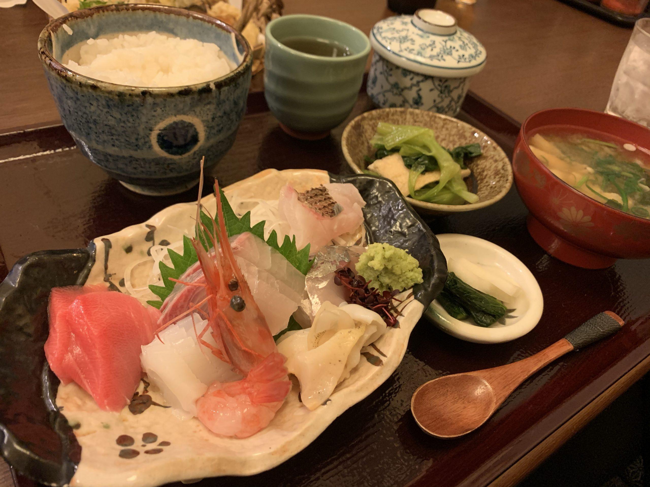 昼は定食、夜は宴会もできる和食の人気店「旬亭きどぐちや」【羽咋市】