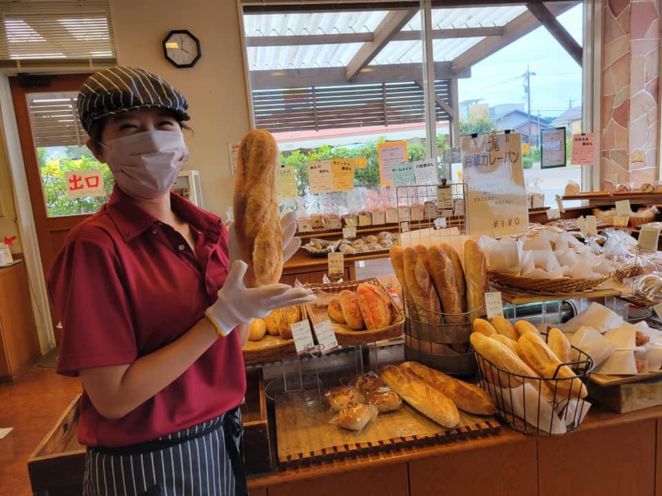 「anan」はいつも焼き立てパン!たくさんの種類のパンが並ぶ人気店【七尾市】