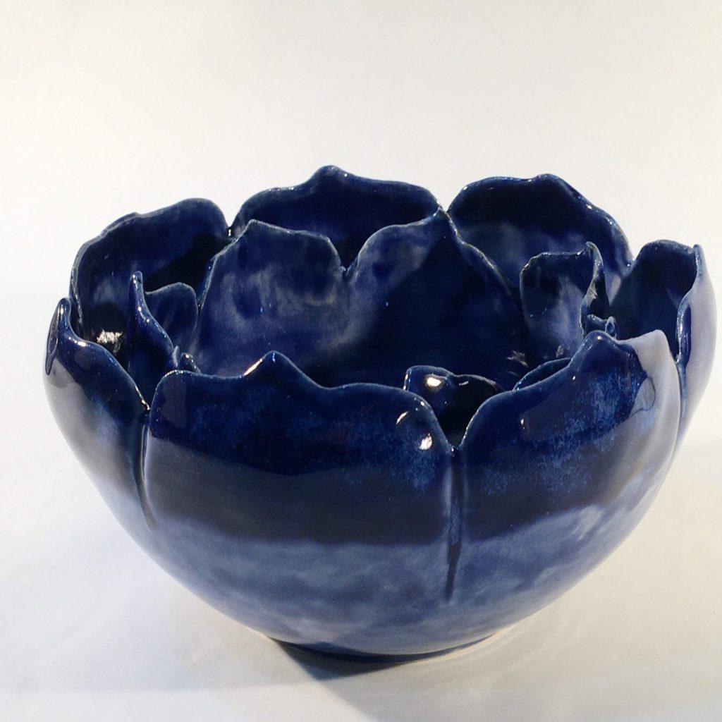 Double rim blue flower bowl with petal edge