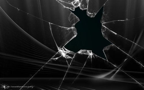broken-glass-titlewave-19033278-500-313