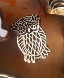 an owl henna stamp