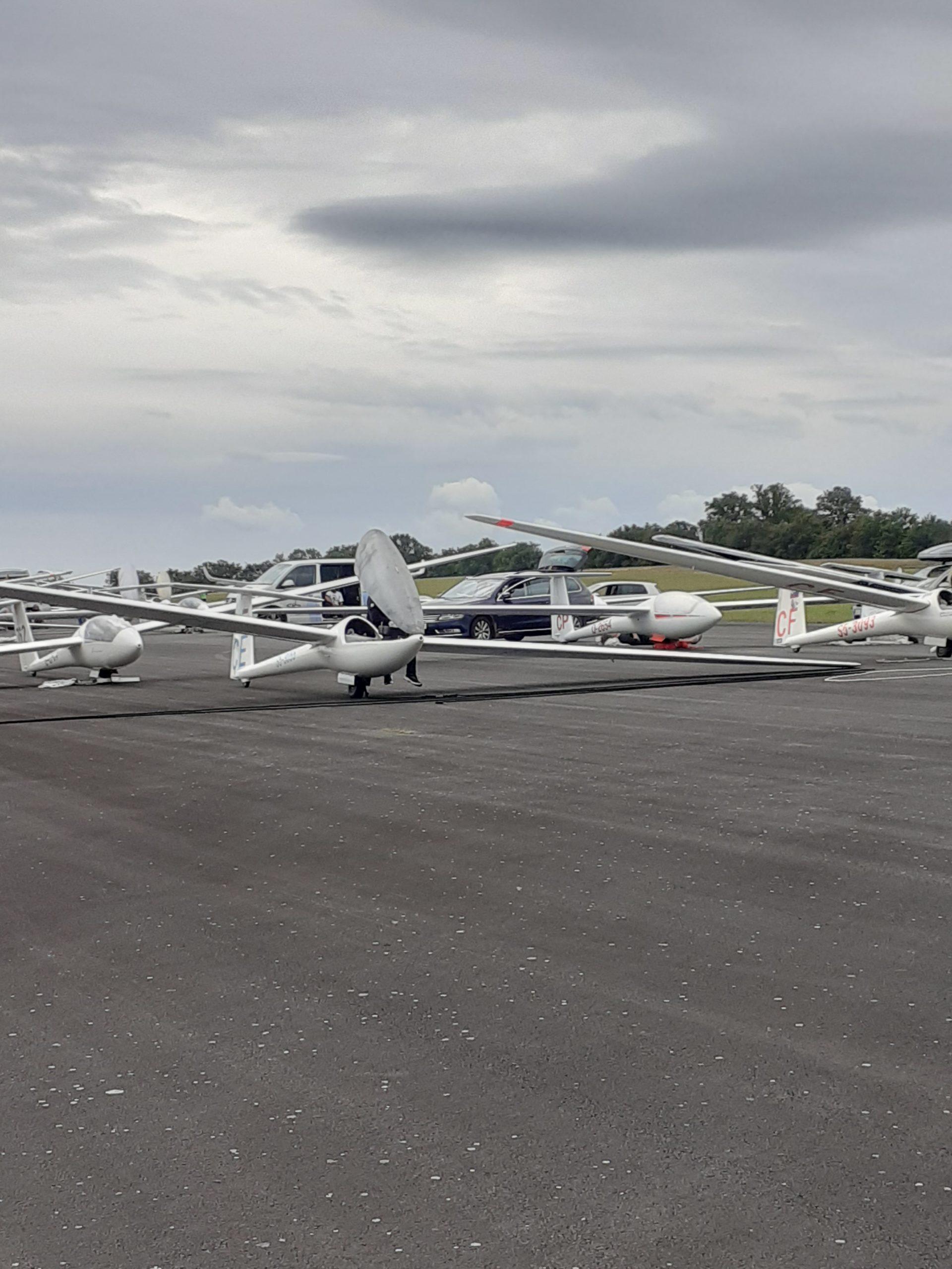 You are currently viewing Du 7 au 21 aout 2021. Les championnats du monde de vol en planeur ont eu lieu à LEPAUD