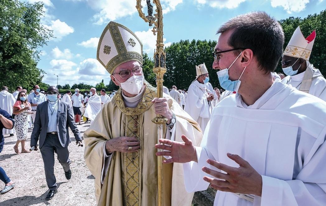 Le Secrétaire d'État du Saint-Siège à Ars le 4 août : « La figure du curé d'Ars reste un modèle de vocation pour tous les prêtres. »