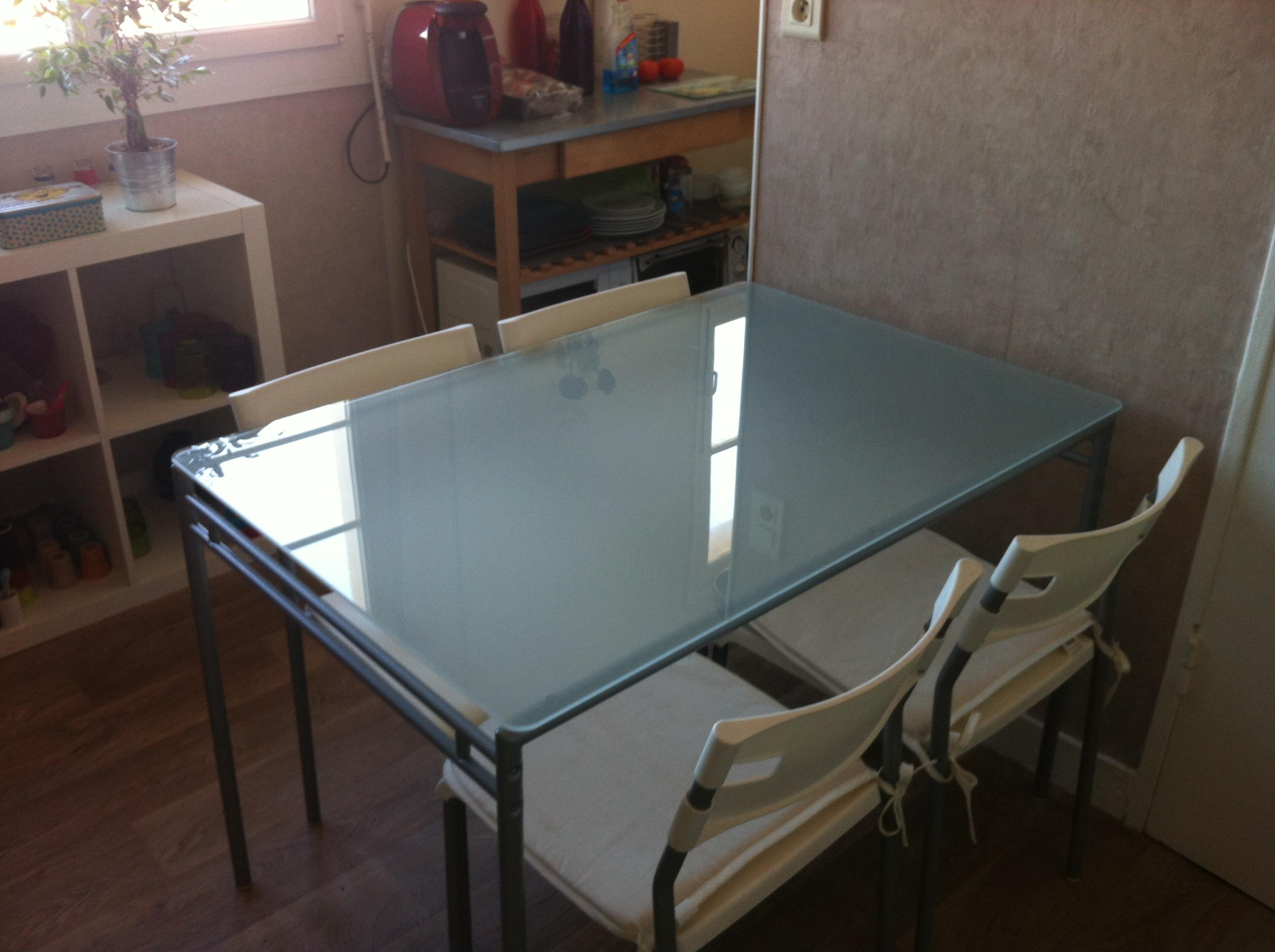 table 4 chaises ikea 40 euros
