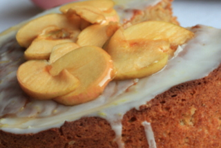 Apple cake with Earl Grey apples