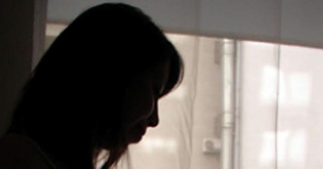 mujer violada sexualmente