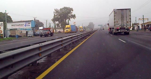 Foto Notus. Carretera Federal 90 Abasolo, Gto.