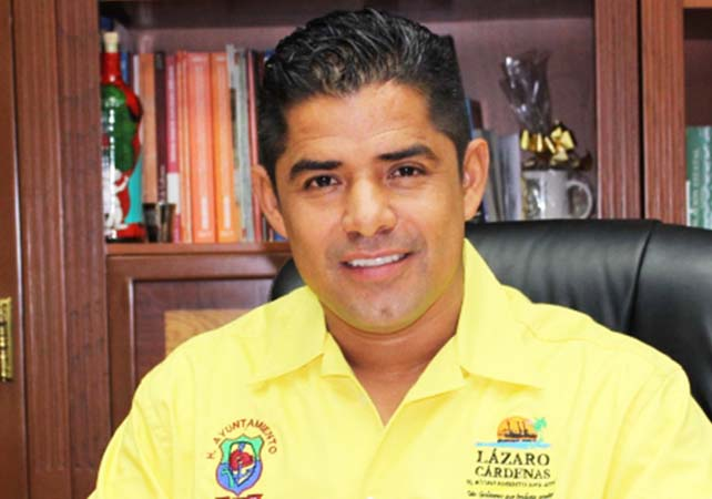 alcalde-lazaro-cardenas-1