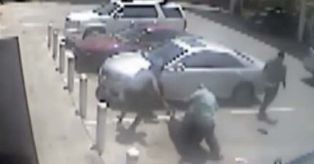 Fighter Foils Robbery