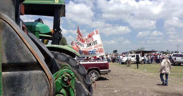 Campesinos exigen precios justos por su granos Foto: Esaú González