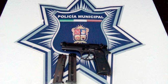 Arma asegurada en riña