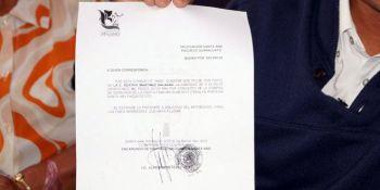 Uno de los documentos firmados en la anterior administración