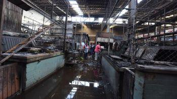 mercado incendiado (6)