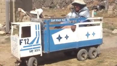 Photo of Abuelita de 94 años usa camioncito de juguete para ir a cobrar su pensión