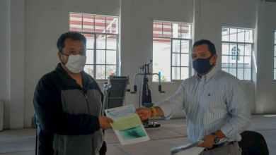 Photo of Ayuntamiento de Huanímaro entrega apoyos de comerciantes por Covid-19