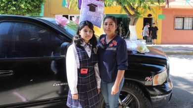 Photo of Se gradúan de primaria y reciben su diploma niños en Cuerámaro