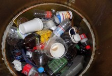 Photo of Penjamenses continúan tirando basura en contenedor de residuos de aceite