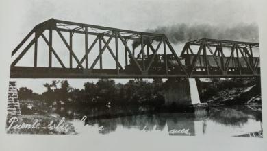 """Photo of El paso de la famosa """"Burrita"""" en el Puente Negro de Salamanca"""