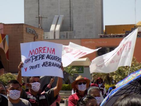 Decenas de irapuatenses se dieron cita en el arranque de campaña de Pepe Aguirre. Foto por Francisco Somoza