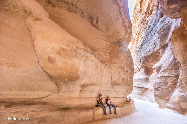 jordanians in petra, siq