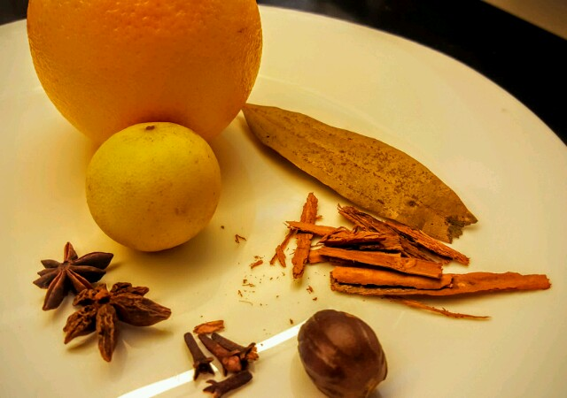 The musts for a mulled wine: you can add or delete ingredients to suit your tastes