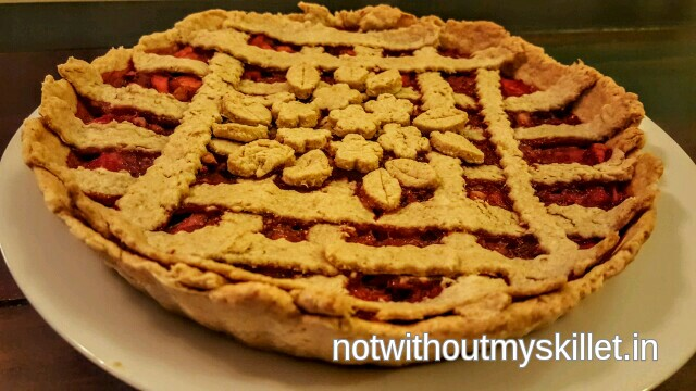 Sugar-free strawberry and apple pie