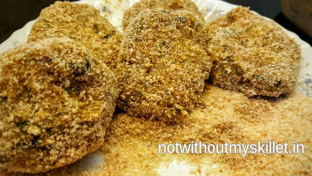 This pattice does need bread crumbs or raw coating. I've used homemade multigrain breadcrumbs