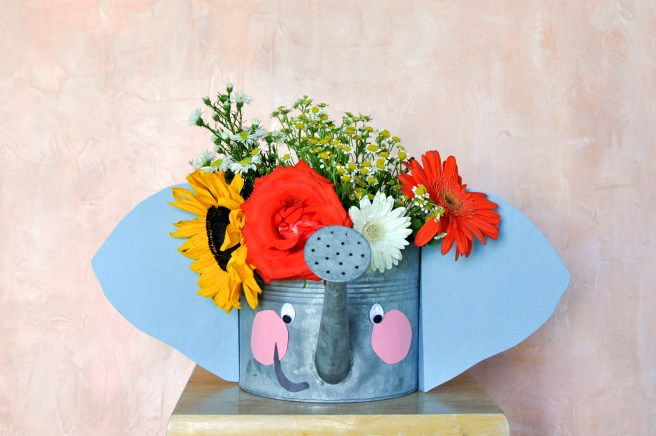 the-flowerman-diy-flower-watering-can-elephant-kids-crafts