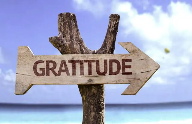 sign saying Gratitude this way