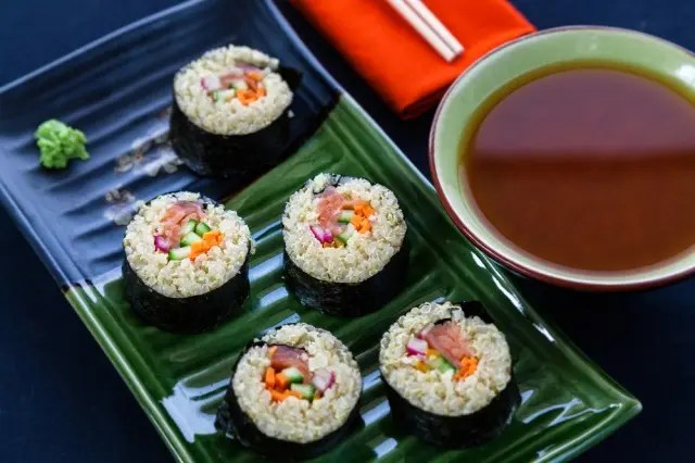 Sushi rolls with salmon and quinoa