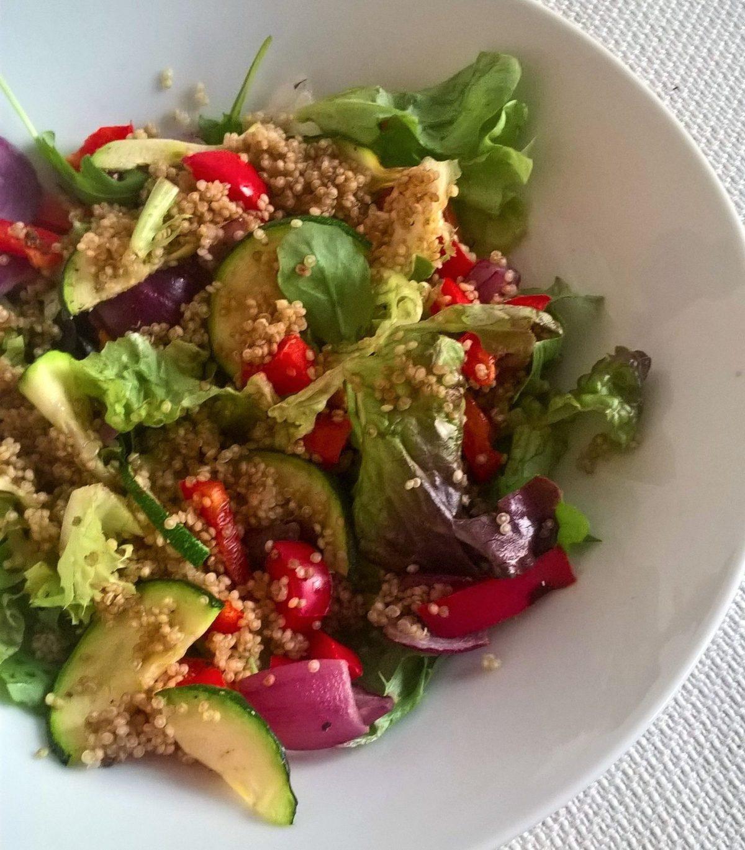 Mediterrane-quinoa lunchsalade