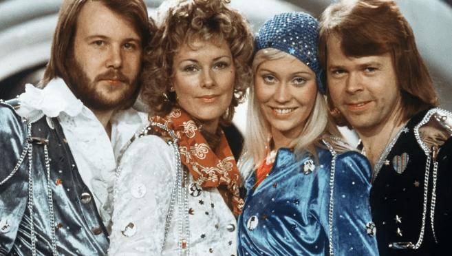 LE GROUPE ABBA SE REFORME, SORT UN ALBUM ET DONNE UN CONCERT À LONDRES