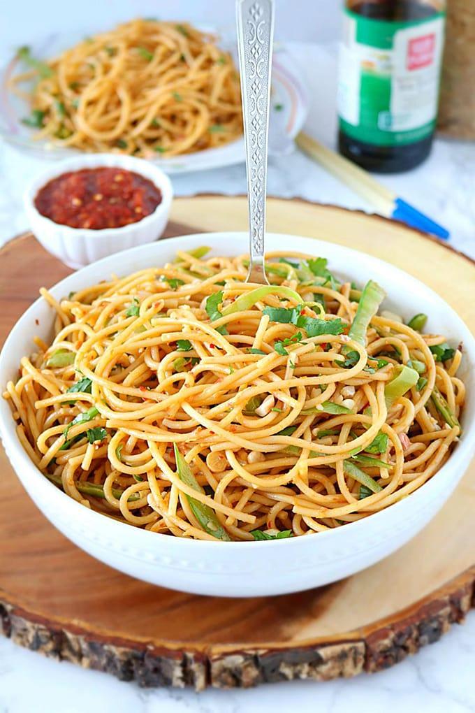 Vegan spicy peanut noodles - ruchiskitchen.com